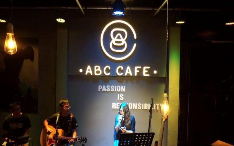 Không gian ABC Cafe